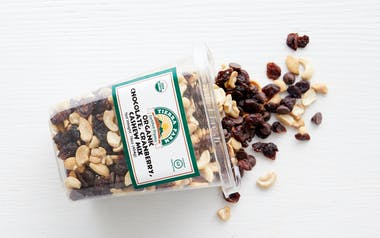 Organic Cranberry Cashew Chocolate Mix