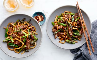 Udon Noodle Stir-Fry with Beef & Asparagus