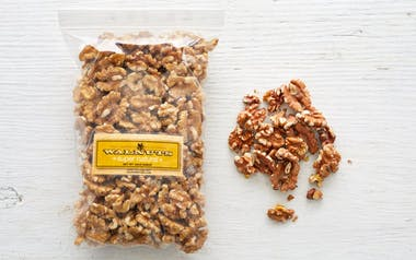 Raw Chandler Walnut Halves